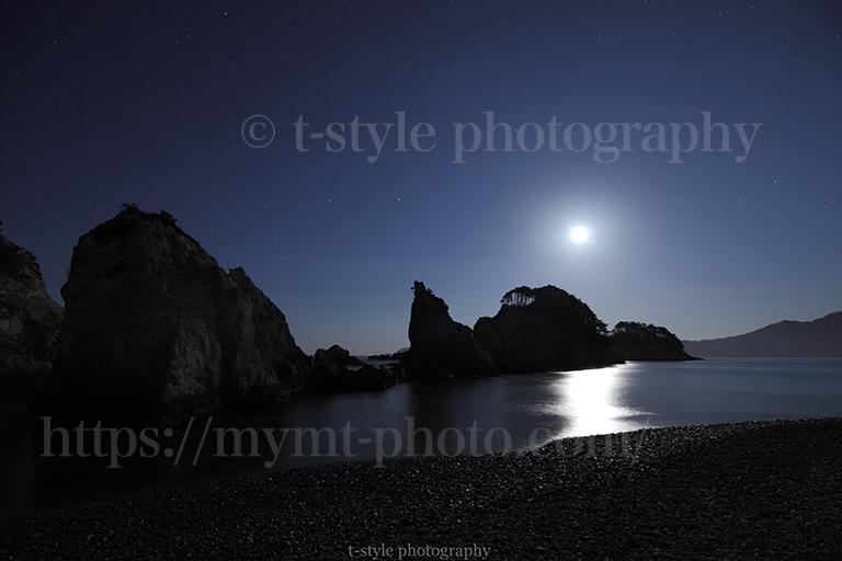 岩手県浄土ヶ浜の月光写真