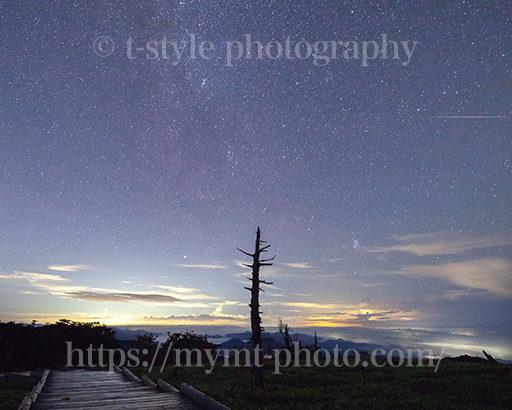 大台ヶ原で撮影したペルセウス座流星群とアンドロメダ銀河