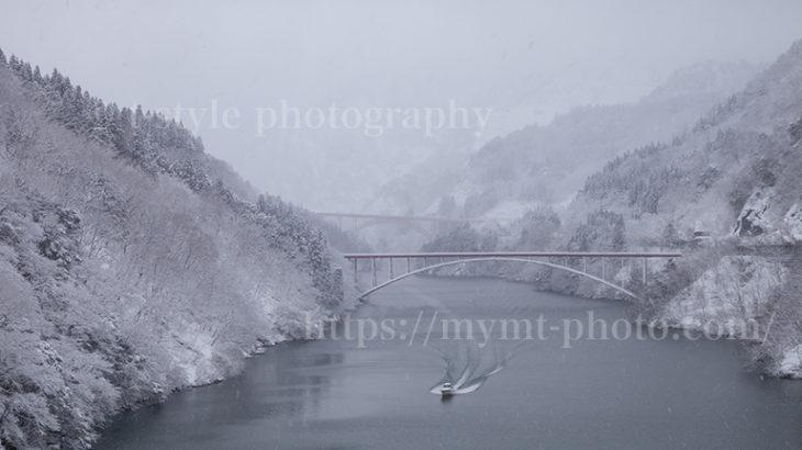 飛越峡合掌ラインの冬景色